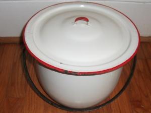 Antique Chamber Pot,Crop,W900px